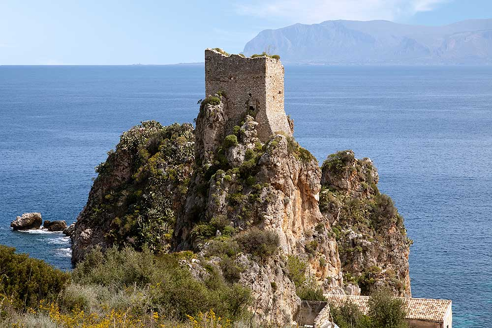 One of the watchtowers near the tonnara